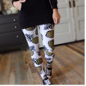 Infinity Raine NEW | pineapple print leggings